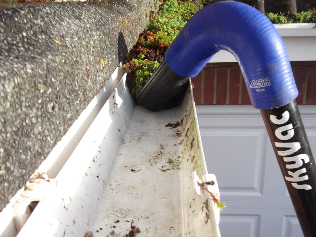 Gutter Servicing  North Herts Clean Services